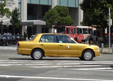 金のタクシー